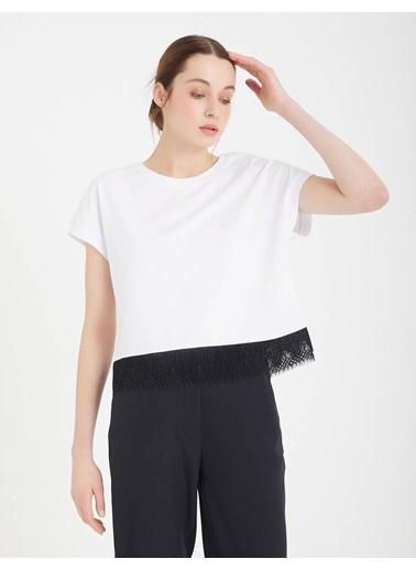 BGN Beyaz - Dantel Detaylı Pamuklı T-Shirt Beyaz